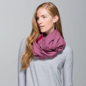 Lululemon Vinyasa Snap Scarf | Pink-Grey | OS
